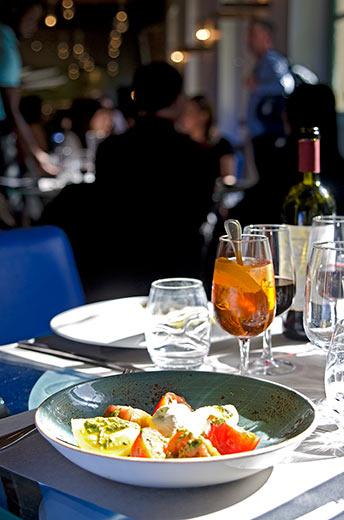 musiam-petite-venise-exterieur-salade-tomate